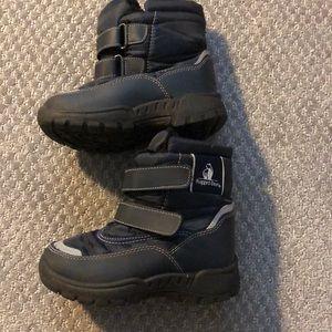 Rigged bear size 8 boys snow boots EUC